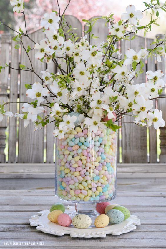 centro-tavola-ovetti-fiori-pasqua